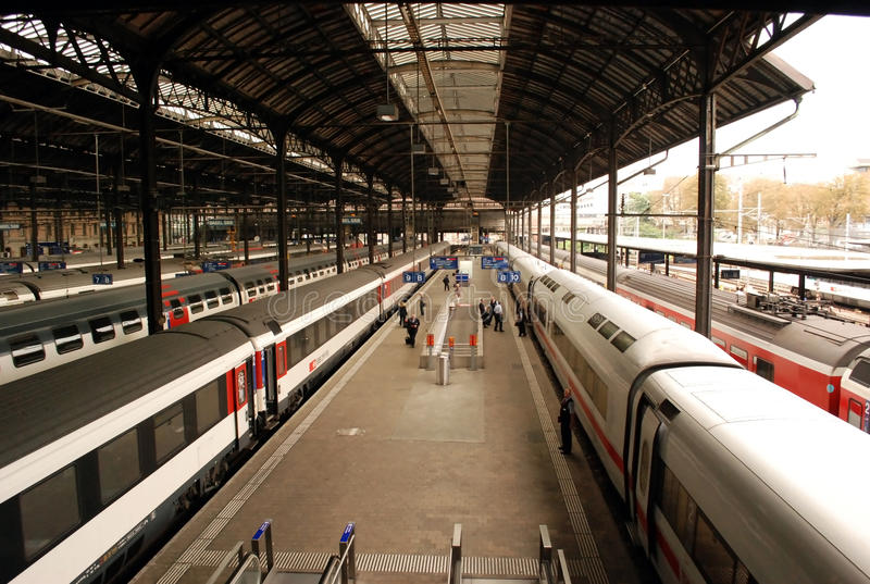 Stazione ferroviaria di Basilea fotografia stock libera da diritti