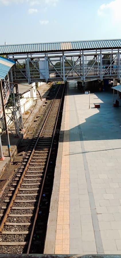stazione ferroviaria di bharuk, stato del gujrat in india fotografia stock