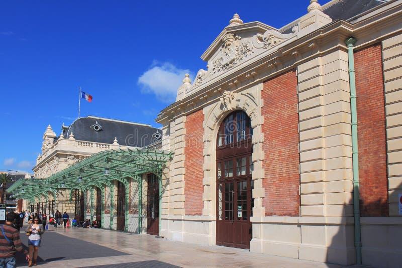 Stazione ferroviaria piacevole, Francia fotografie stock