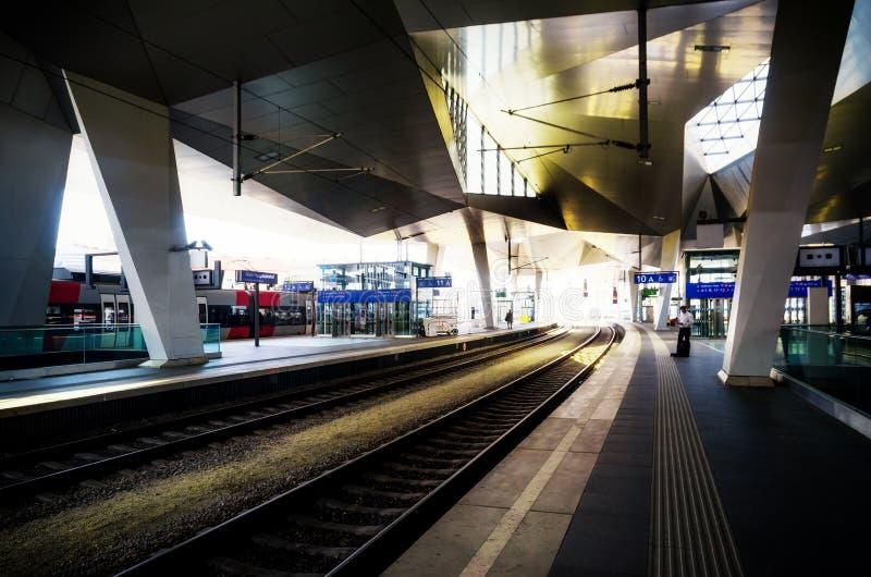 Stazione ferroviaria principale Hauptbahnhof di Vienna fotografia stock libera da diritti