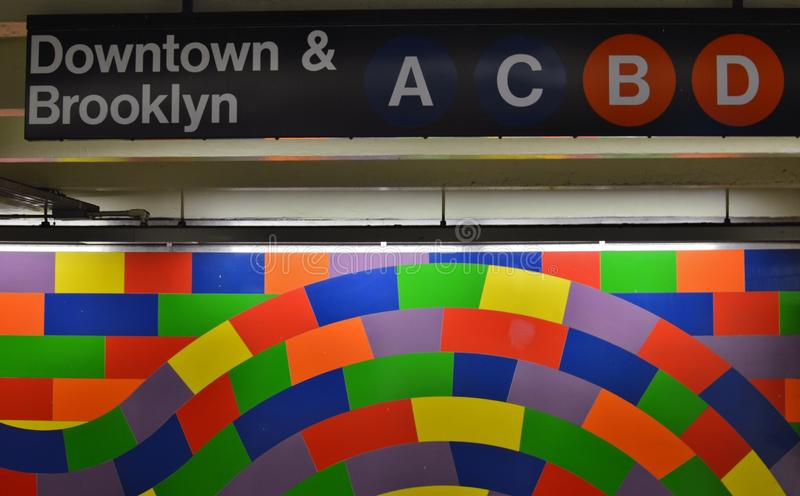 Stazione ferroviaria in sotterraneo della parete interna di Art Tiles Modern Colorful Design del sottopassaggio di New York immagini stock