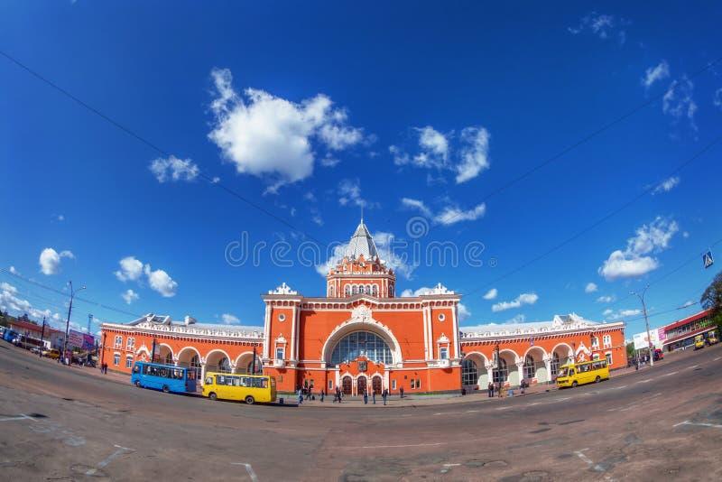 Stazione ferroviaria sovietica con i bus fotografia stock