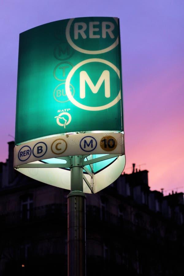 Stazione Parigi della metropolitana RER del segno del sottopassaggio immagini stock
