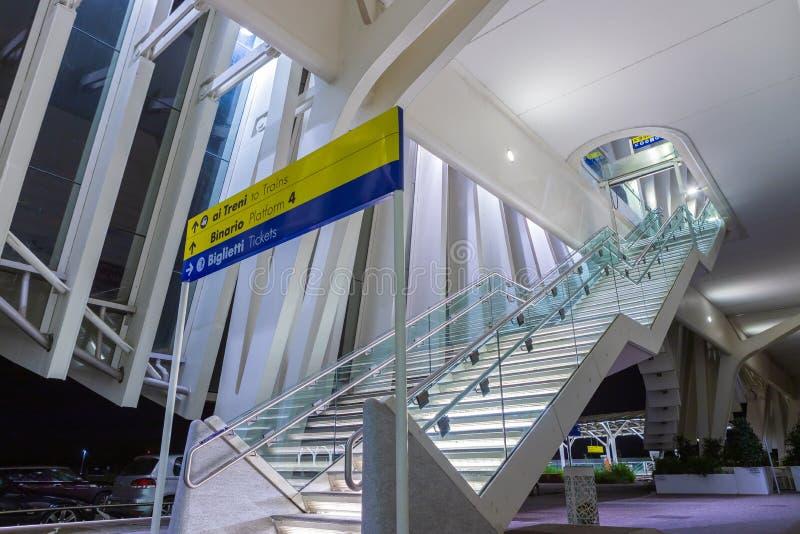 Stazione Reggio nell'Emilia del treno ad alta velocità fotografia stock libera da diritti