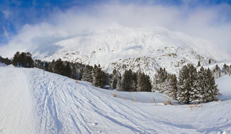 Stazione sciistica Obergurgl Austria della montagna fotografie stock libere da diritti