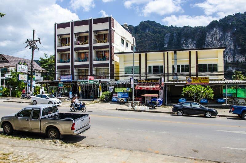 Download Stazione Turistica Della Via Del Ao Nang. Immagine Editoriale - Immagine di palma, residenziale: 30829150