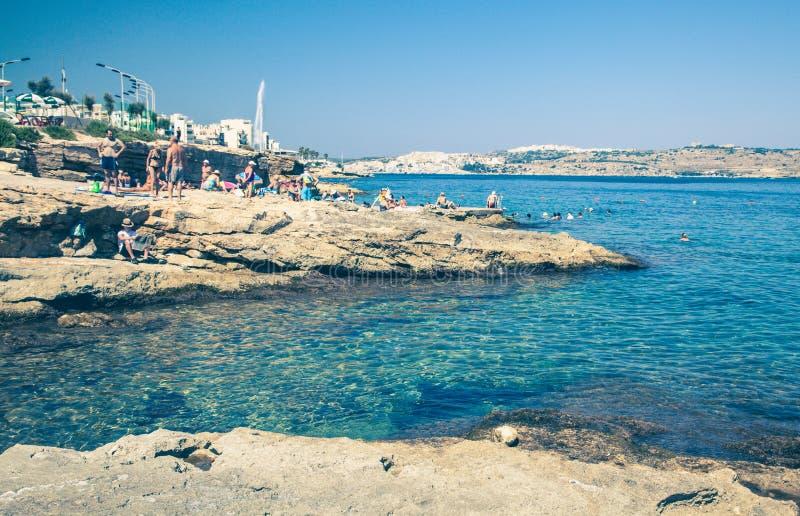 Stazione turistica estiva - Buggiba a Malta fotografie stock libere da diritti