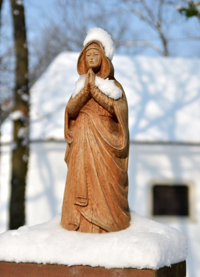 StBarbara为矿工祈祷在冬天 库存图片