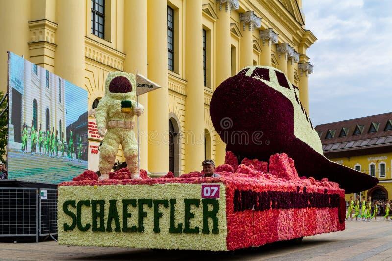 48ste Bloem Carnaval in Debrecen, Hongarije stock foto's