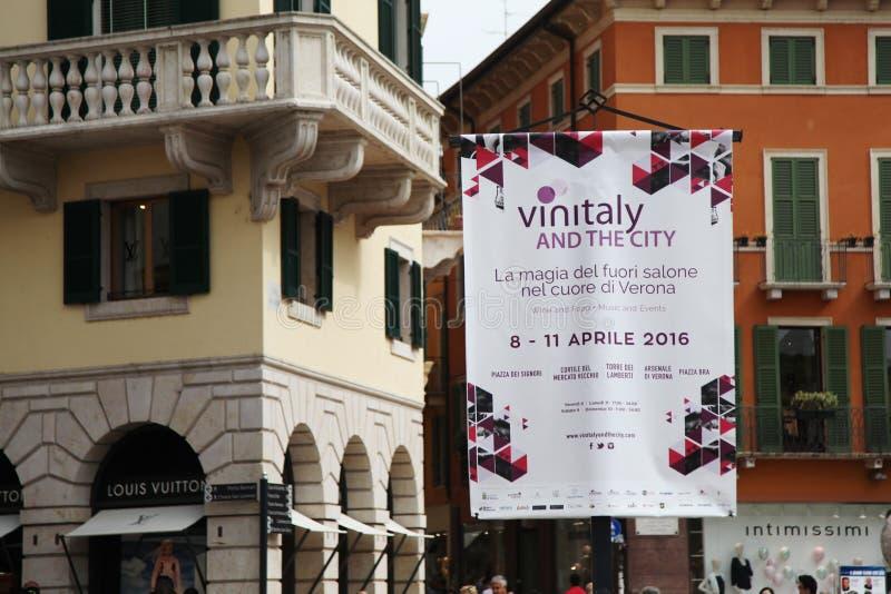 50ste Vinitaly-wijntentoonstellingen in Verona - Italië stock afbeeldingen
