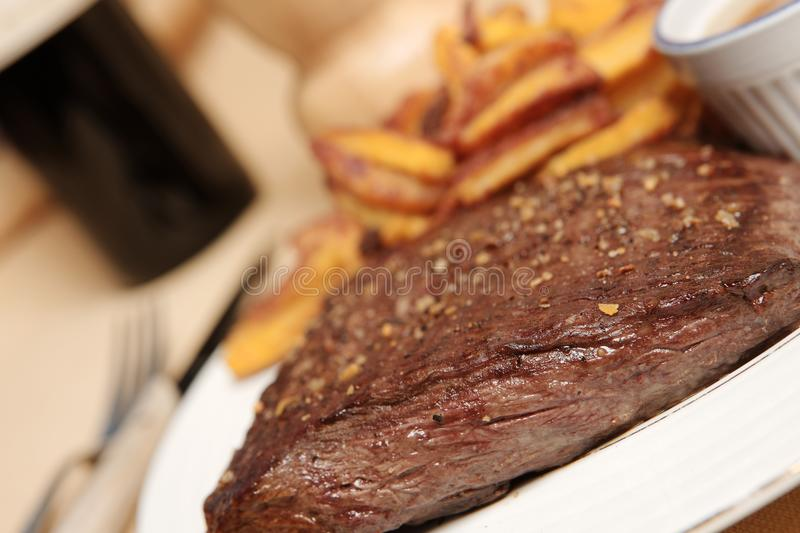 Steak frite 8 lizenzfreie stockfotos