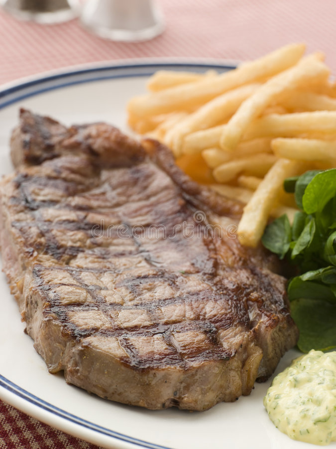 Free Steak Frite With Watercress And Barnaise Sauce Royalty Free Stock Photos - 5619058