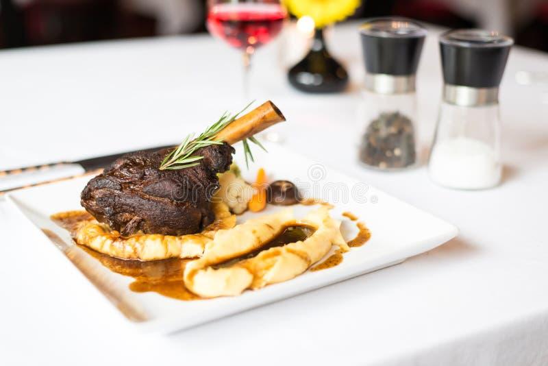 Steaklammschaft lizenzfreie stockfotos