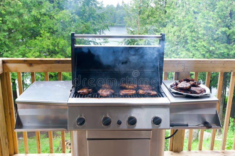 steaks för gasgallerpork fotografering för bildbyråer