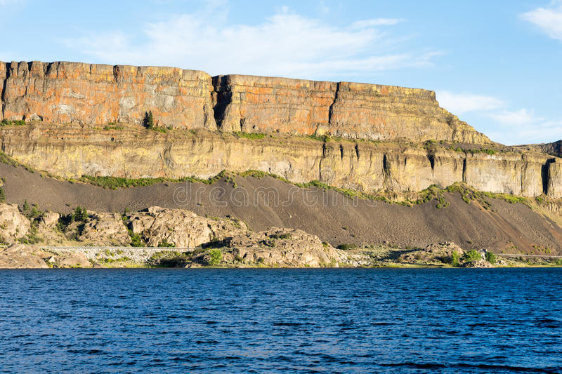Steamboat Rock state park in Eastern Washington state, USA. Banks lake and the walls of Grand Coulee in Steamboat Rock state park in Eastern Washington state stock image