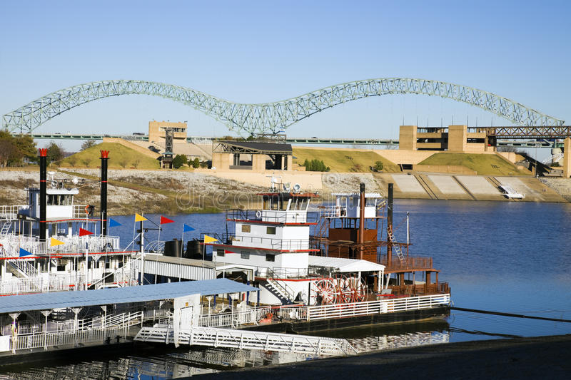 Steamboats on Mississipi