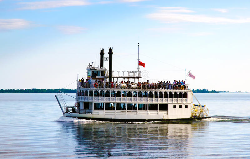Steambout на Lake Ontario около Торонто для круиза лета стоковое изображение rf