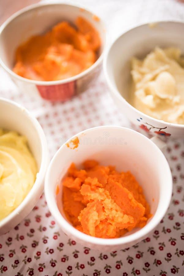 Steamed mosade grönsaker för behandla som ett barn mat royaltyfri fotografi