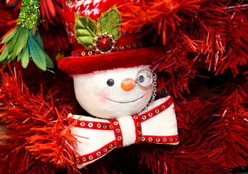 Steampunk与monacle高顶丝质礼帽和蝶形领结的雪人装饰品 免版税库存图片