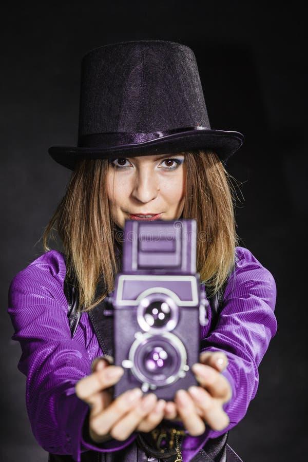 Steampunk com a câmera retro velha foto de stock