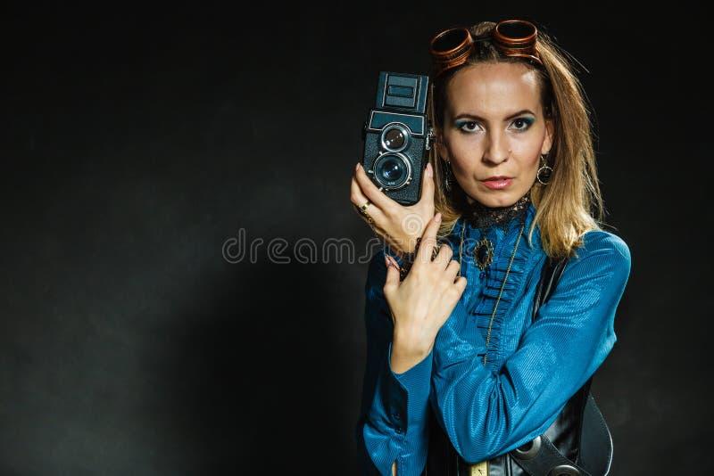 Steampunk com a câmera retro velha fotos de stock royalty free