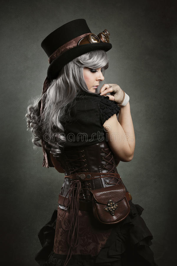 Steampunk-Frauenrückseite stockfoto