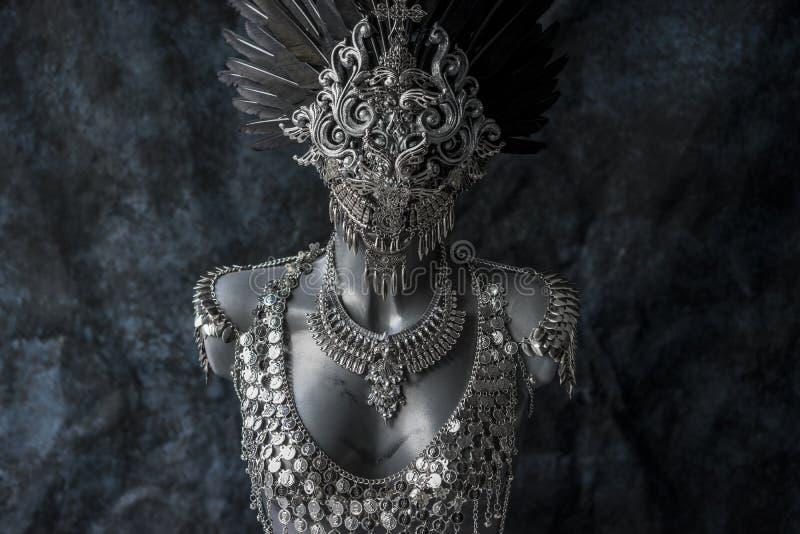 Steampunk handgjort stycke, silversmyckendräkt med kedjor fotografering för bildbyråer