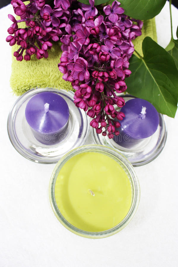 stearinljus blommor royaltyfria bilder