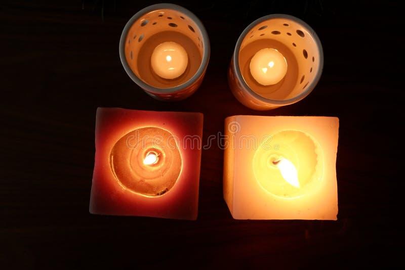 Stearinljus för en varm belysning royaltyfri bild