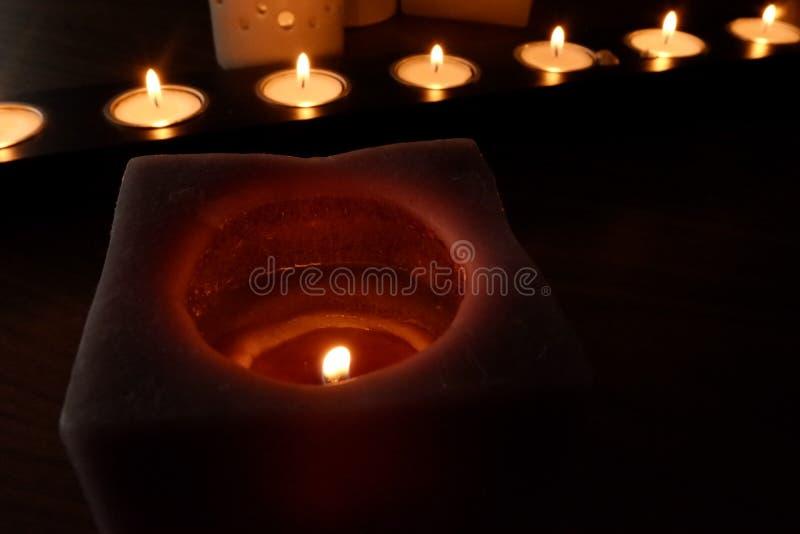 Stearinljus för en varm belysning arkivbild
