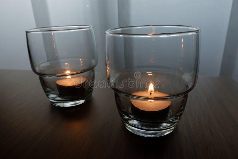 Stearinljus för en varm belysning royaltyfria bilder