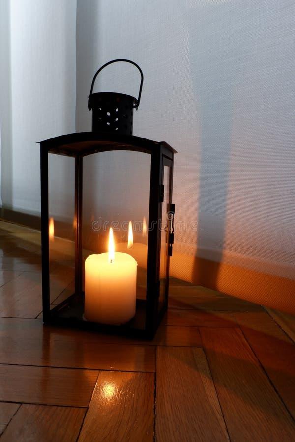 Stearinljus för en varm belysning fotografering för bildbyråer
