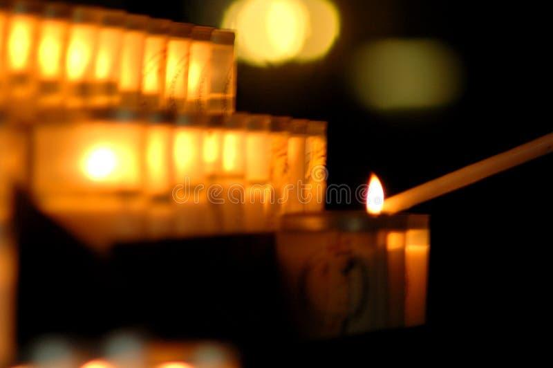 stearinljus fördämningnotre arkivfoto