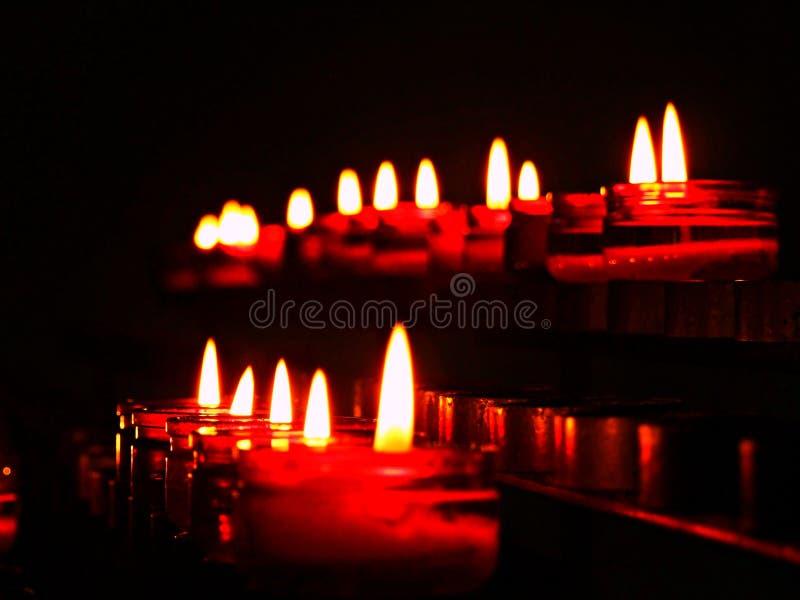 stearinljus flamma, ljus, brand, stearinljus, mörker, levande ljus, svart, vax, bränning, jul, natt, brännskada, ferie, religion, arkivfoton