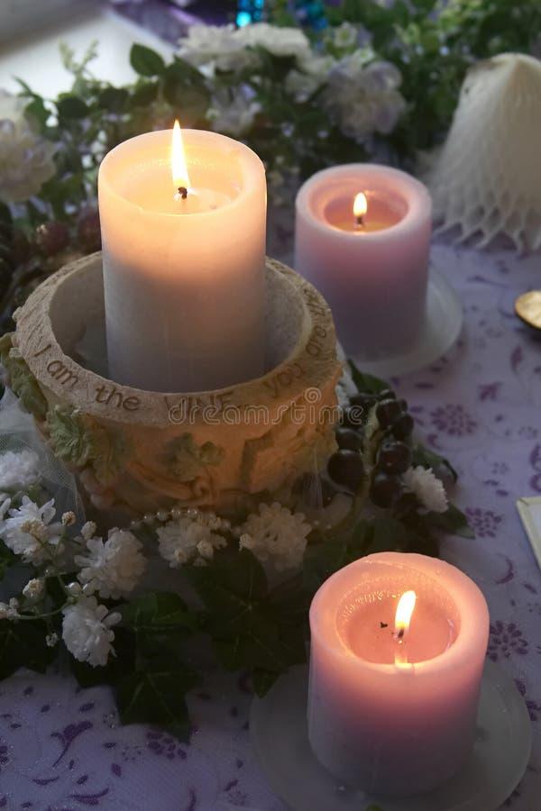 stearinljus gifta sig arkivfoton