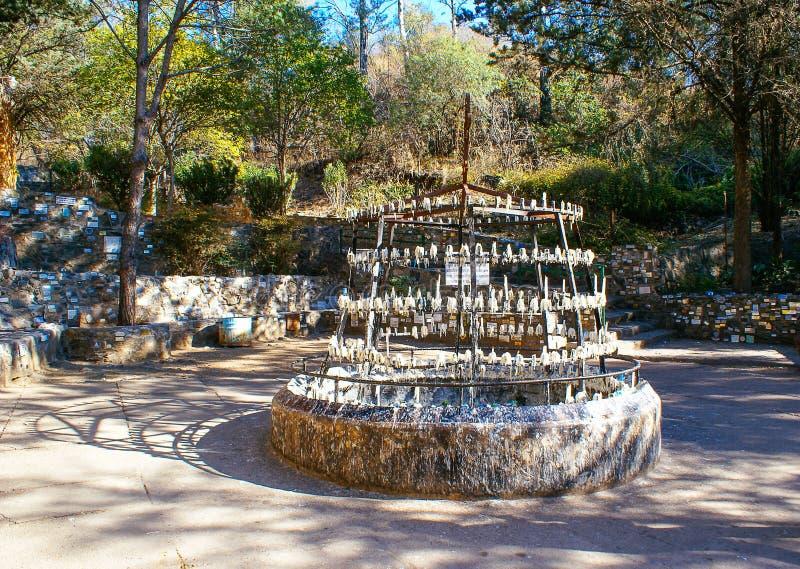 Stearinljus på La Gruta i Alta Gracia royaltyfri foto