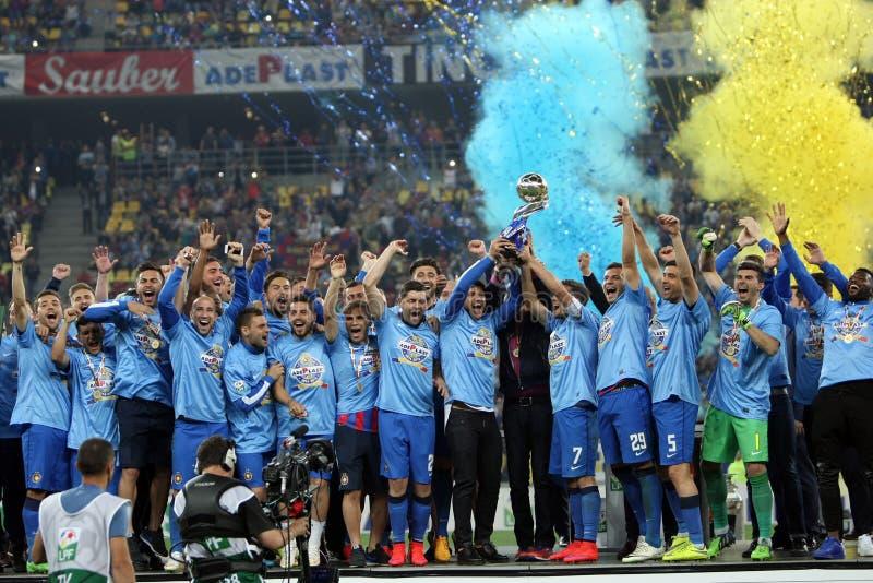 Steaua Bucarest gana la taza de la liga de Rumania foto de archivo