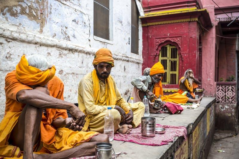 Stechpalmenmänner in Varanasi, Indien lizenzfreies stockbild