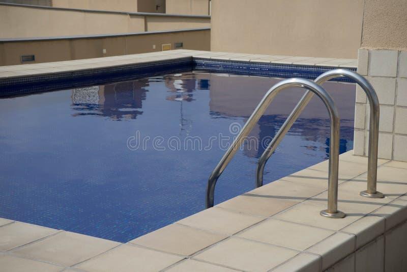 Stedelijk zwembad royalty-vrije stock foto's