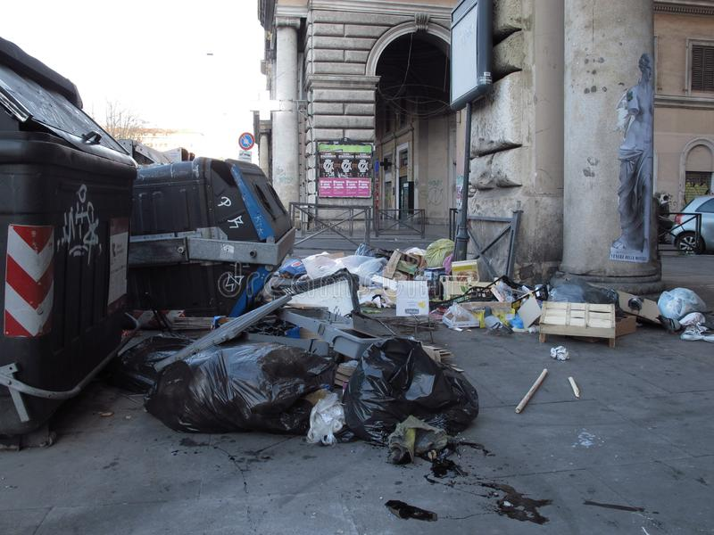 Stedelijke degradatie van de voorsteden in Rome royalty-vrije stock afbeeldingen