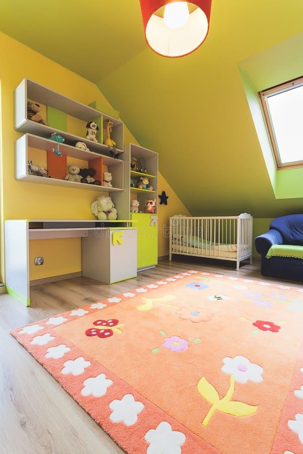 Stedelijke flat - kleurrijke ruimte stock afbeeldingen