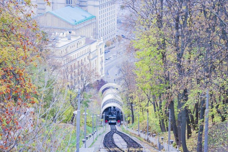 Stedelijke kabelbaan in Kiev, de Oekraïne stock foto