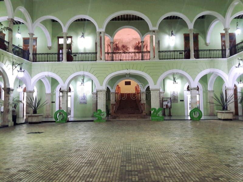 Stedelijke koloniale architectuur in Mexico-City royalty-vrije stock afbeeldingen