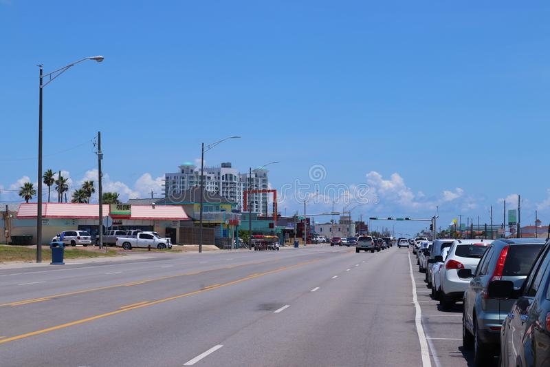 Stedelijke straatscène in Texas, de Verenigde Staten van Amerika Boulevard in Galveston, Texas, Lone Star-Staat royalty-vrije stock afbeeldingen