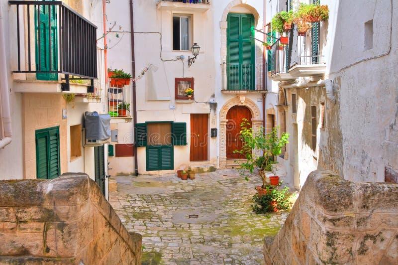 Steeg. Monopoli. Puglia. Italië. stock afbeeldingen