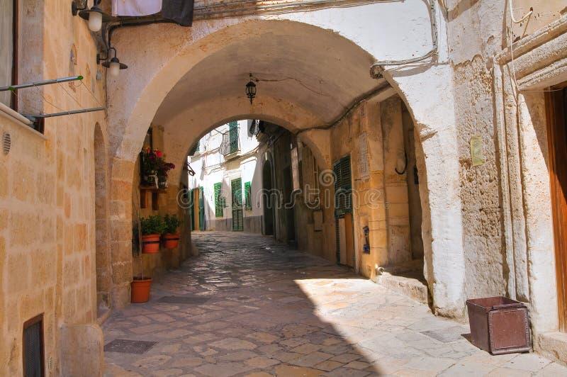 Download Steeg. Monopoli. Puglia. Italië. Stock Foto - Afbeelding bestaande uit perspectief, voetganger: 39101076