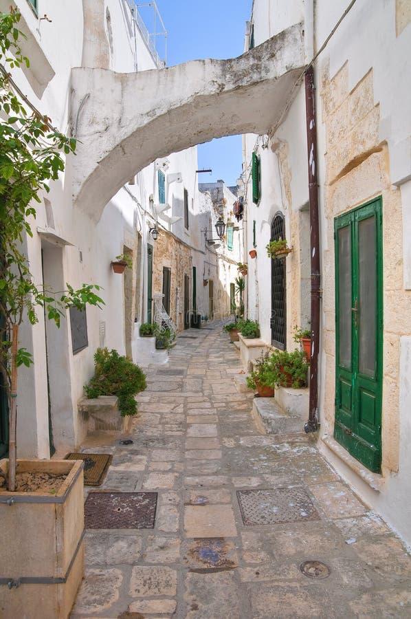 Steeg. Ostuni. Puglia. Italië. stock foto
