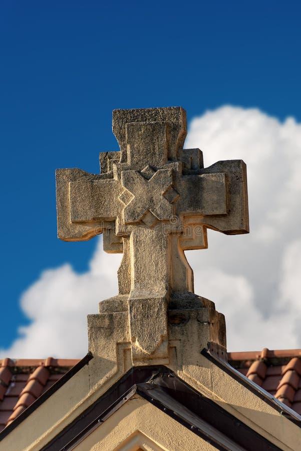 Steen Christian Cross - Godsdienstig symbool royalty-vrije stock foto's