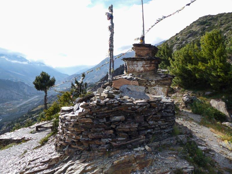 Steenachtige stupa stock afbeelding
