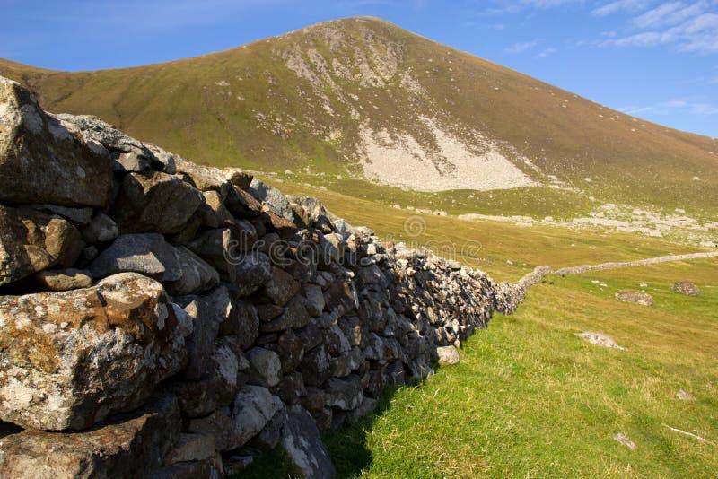 Steenmuur bij St Kilda, Buitenhebrides, Schotland stock afbeelding